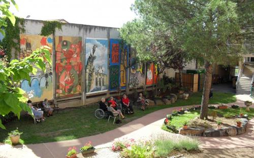 Maison de retraite les jardins de jouvence les valeurs de l 39 albigeois - Decor jardin maison pau ...
